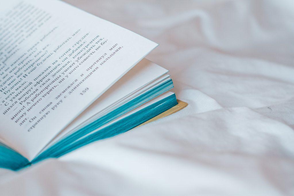 Escuela de escritoras, Mentoria para Escritoras, Mentora de escritoras, Laura Berzins, Cuentos de la Nena